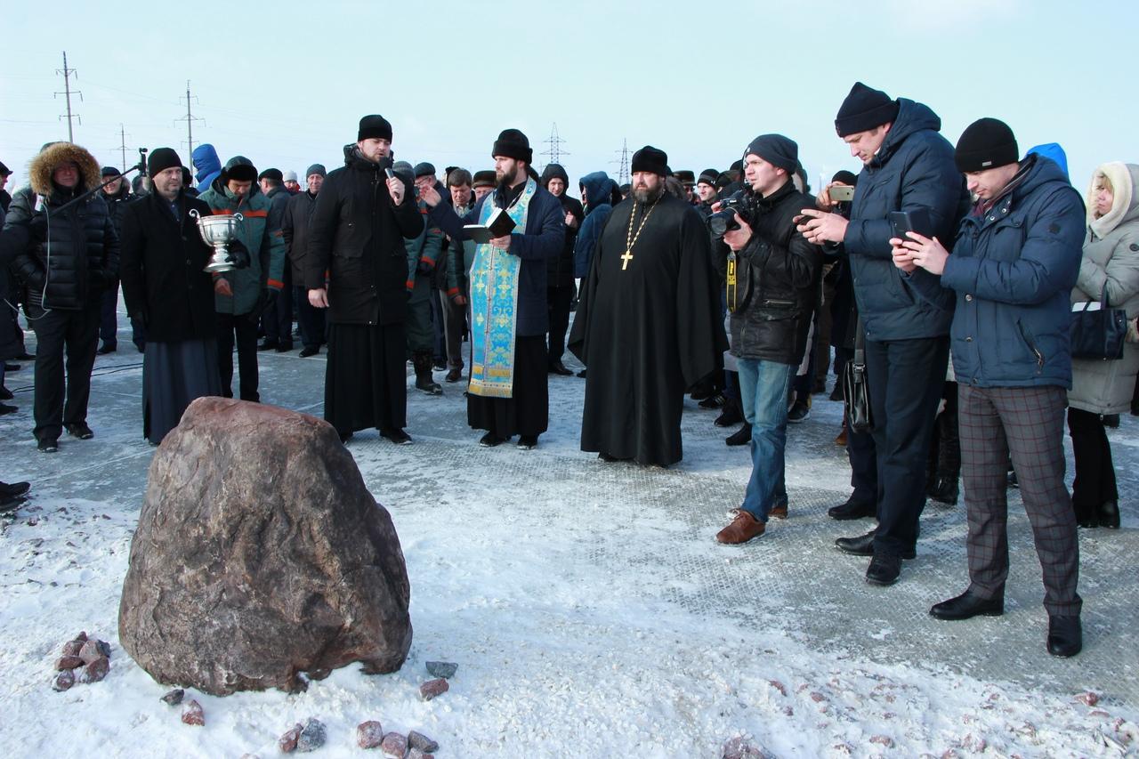 Губернатор принял участие в закладке камня нового завода в Балашове