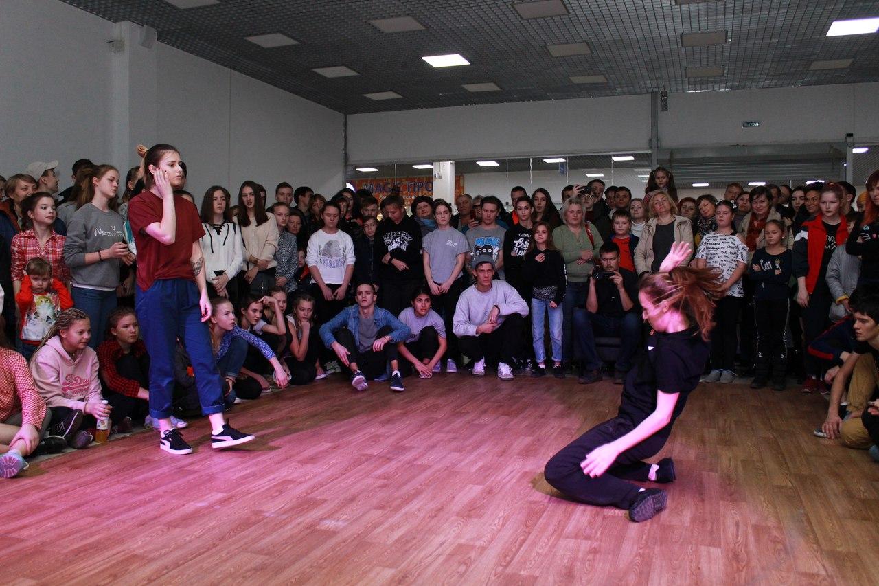 В Пассаже прошел большой танцевальный фестиваль. Фото и видео